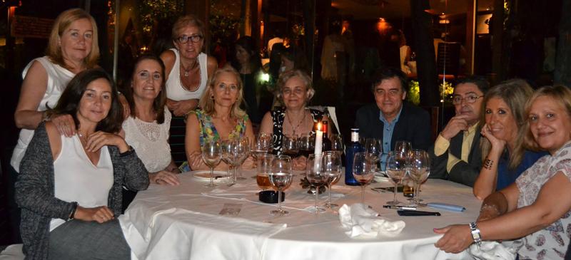Primera cena benéfica y presentación de Asociación Ampara en el restaurante Thai Garden de Madrid.